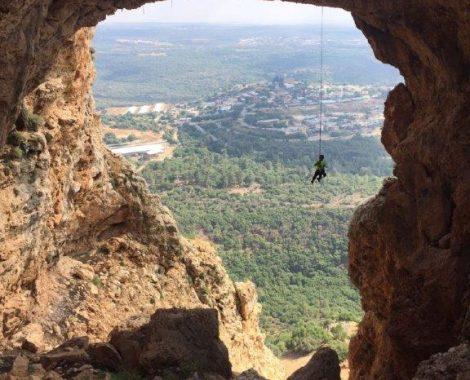 סנפלינג במערת קשת 1